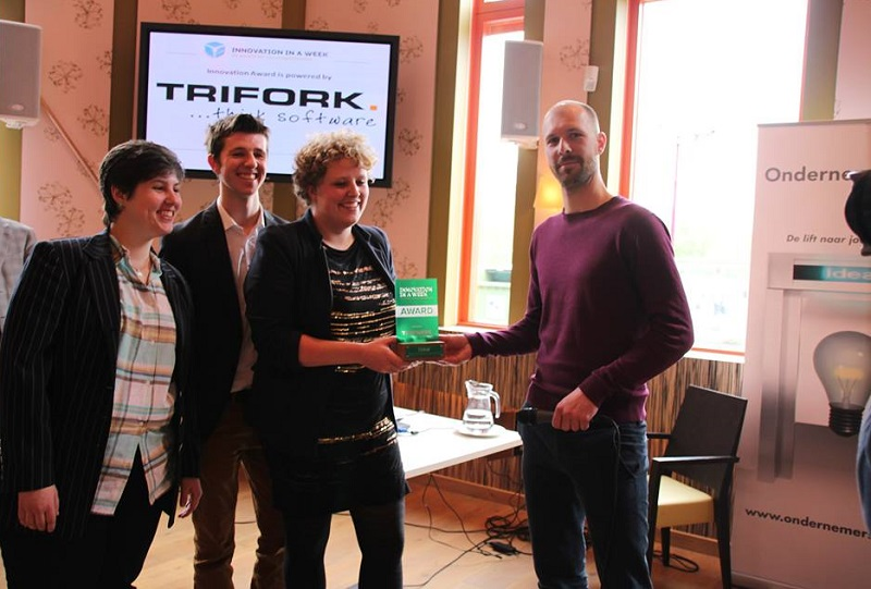 Picture of Luximprint Award Recognition of Team Blox by Trifork.