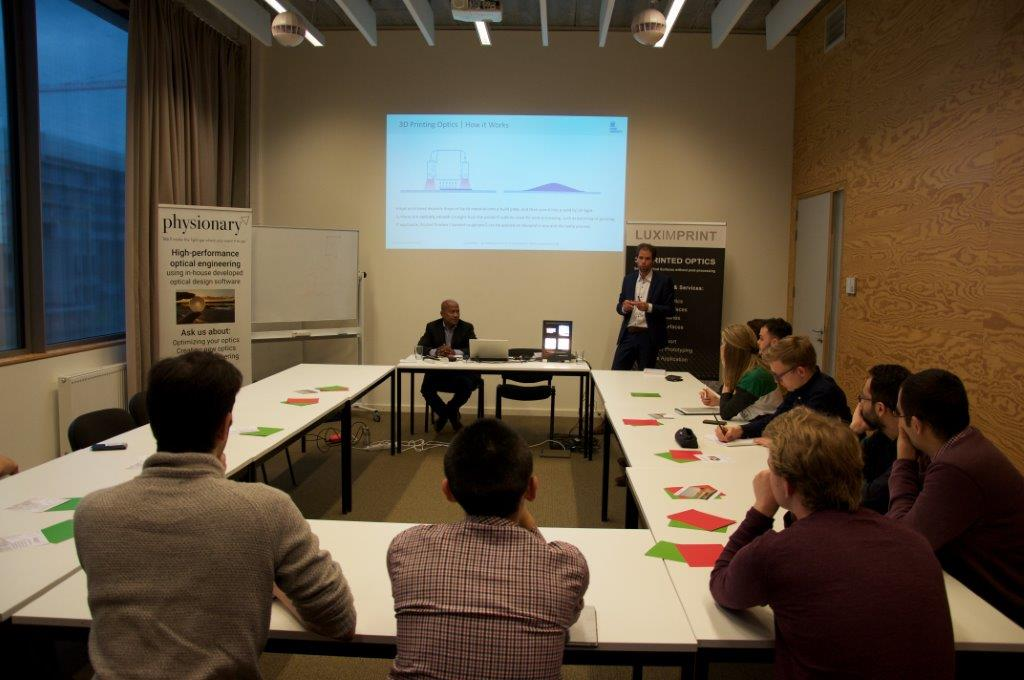 Image of additive optics fabrication workshop at Ghent University by Luximprint and Physionary