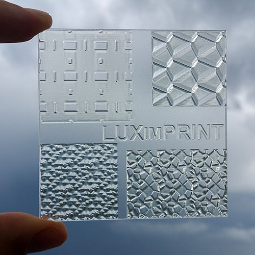 Image of handheld 3D printed Optopatterns by Luximprint for the sample shop